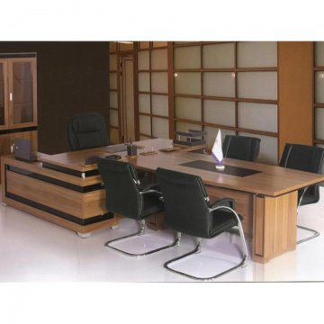 میز مدیریت با کنفرانس