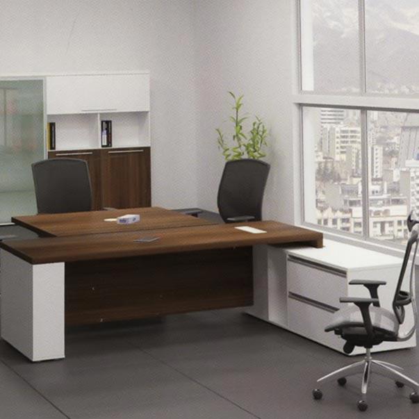 دلیل تفاوت میز مدیریت با کارمندان دیگر